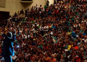 550x393xJohnny-Ventura-en-Cuba-Toco-el-cielo-con-las-manos.jpg.pagespeed.ic.vt0-JJCHf1cT4CZJlBOb