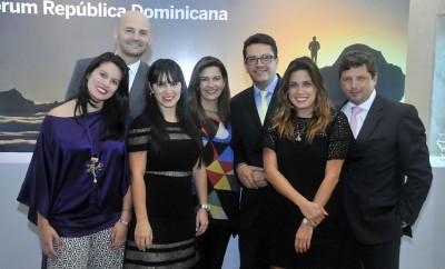 001. Nathalia Rodriguez, Marcos Mueller, Mivian Irizarry, Armando Rodriguez, Isabel Camargo, Diego Arias y Maria Zuloaga (PRINCIPAL)