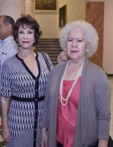 Clara Herrera y Myrna Guerrero.
