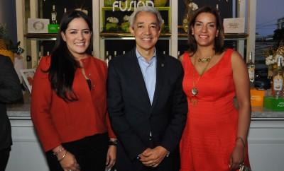 Principal Heidi Pineda, Luis Concepción y Mery Melo