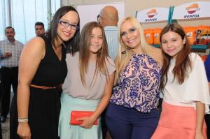 RCV_2371_Geraldine Tarrazo, Catalina Tarrazo, Johanna Tarrazo y Ana María Tarrazo.