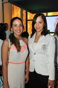 Sarah Carrasco y Helen Núñez. jpg