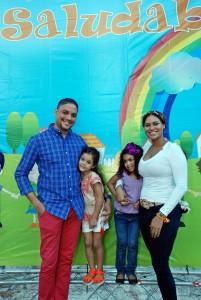 DSC_0093 Angel Batista y Vilma Batista, en compañía de sus hijos. 2