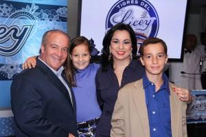 IMG_6661_Miguel Angel Fernandez,Adriana Fernandez, Sandy Pou de Fernandez, Jose Manuel Fernandez.