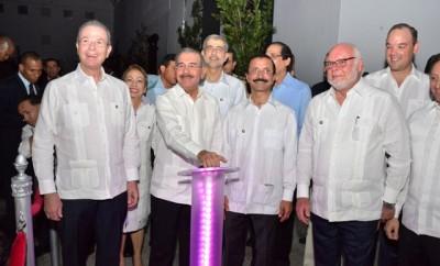ACH_1677-Manuel Tavárez-Danilo Medina-Sultan Ahmed Bin Sulayem-Samuel Conde-José Del Castillo-Je5