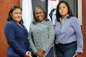 Rosa Moreno, Francisca Ramírez  y Mayra Puello (4)