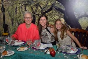 ACH_4749-Rosa Margarita Bonetti de Santana-Helen Borda-María Isabel Santana Serulle