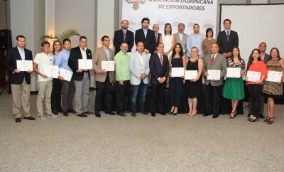 Foto 1 - Directivos de ADOEXPO y ejecutivos empresas nominadas.