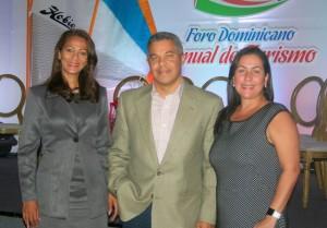 IMG_0789-  Yasmina Jiménez, Fernando Martínez y Mariam Matías 2