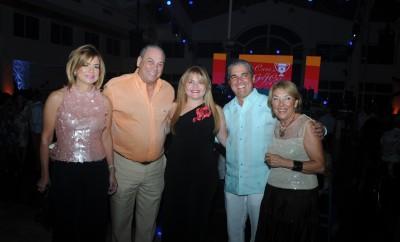 PRINCIPAL - Lisette Hazoury, Ricardo Hazoury, Pamela Betances, Mario Betances y Maria Ros