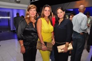 14 Astrid Feo La Cruz,  Elizabeth Fernandez y Carolina Delgado