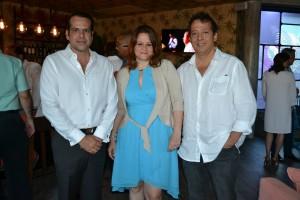 Jorge Morales, Ana Brugal de Compres y Eduardo  Comprés