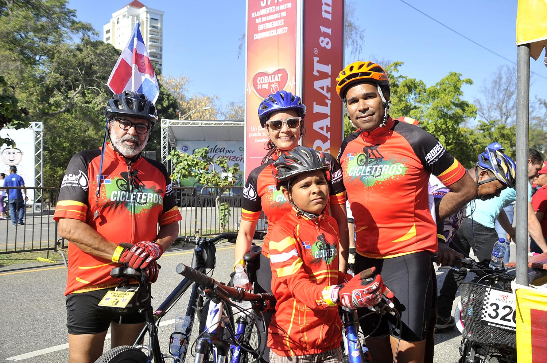 5.-Orlando Soto, Patricia Alonso, Jonathan Gomez y Temistocles Gomez