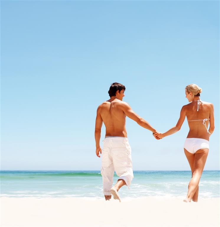 pareja-en-playa