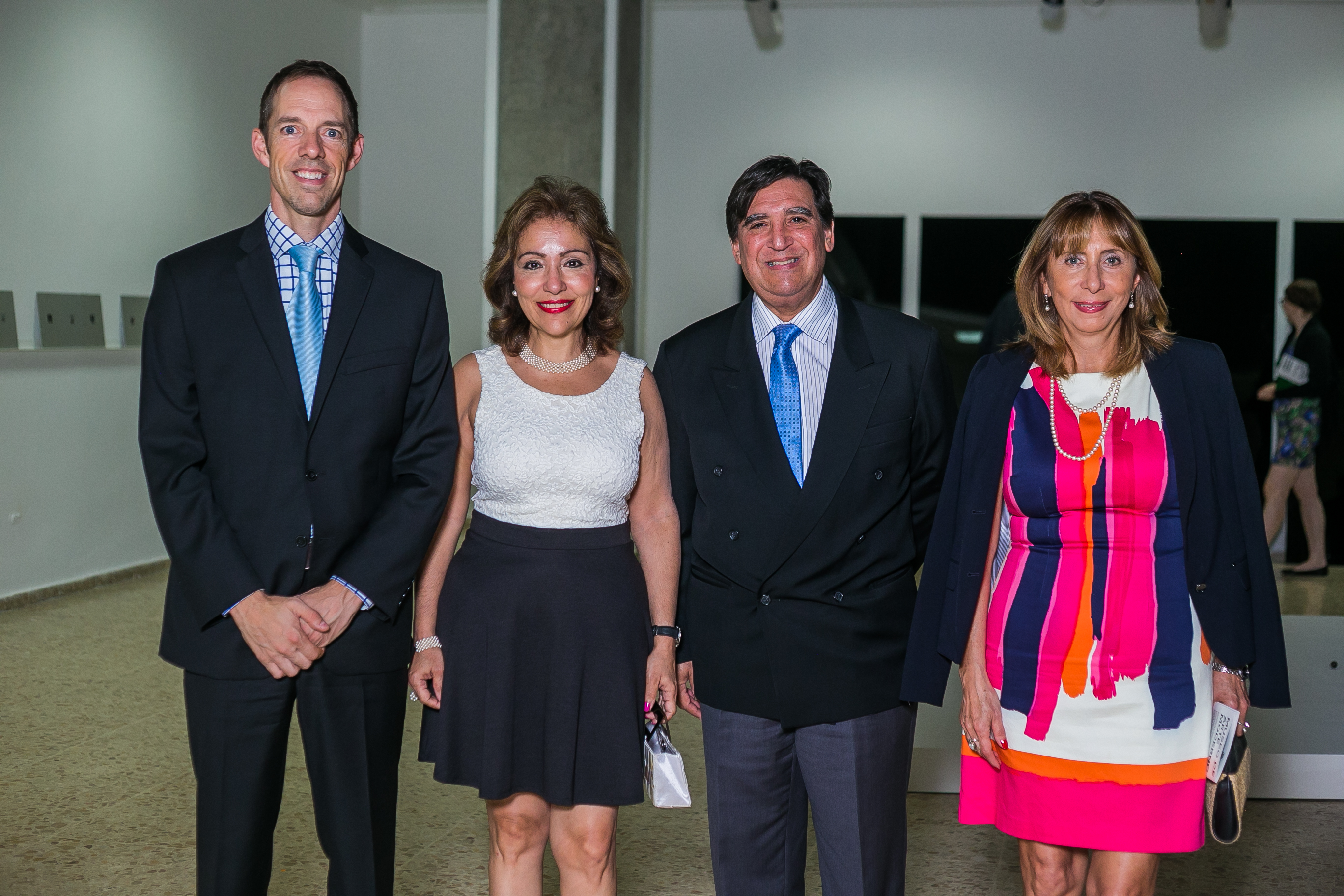 Embajador de Canadá Steve Cote  Rosa María Nadal Rafael Fiallo y Araceli Azuara.