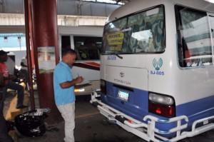 Inspectores de la OTTT verifican autobuses 1