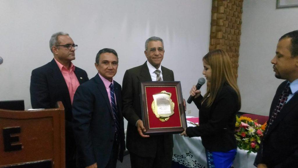 Reconocimiento Dr Juan Ramirez Taveras (1)