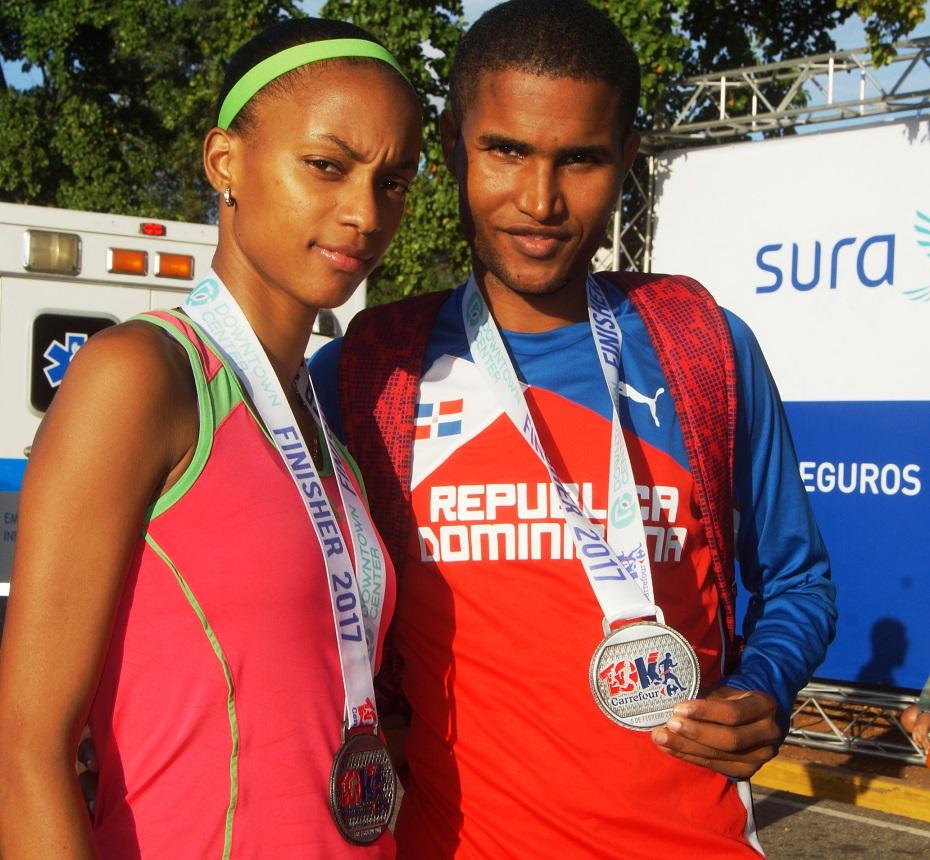 Los campeones Carrefour 10K, Soranyi Rodríguez y Jorge Luis Beltré Adames.