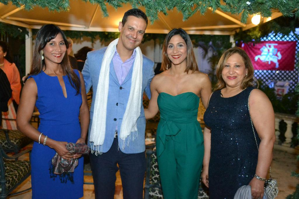 Evelin Peña Comas, Davide Formisano, Natalie Peña Comas, Cristina Comas