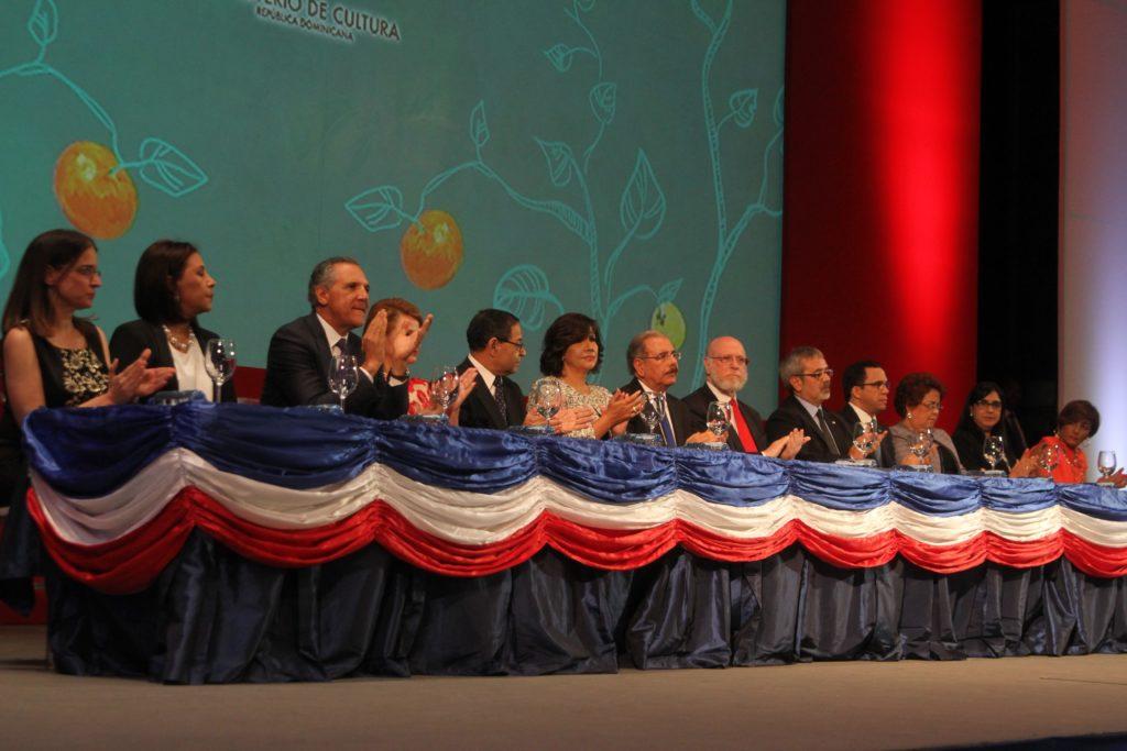 Mesa de honor del acto inaugural de la Feria del Libro 2017