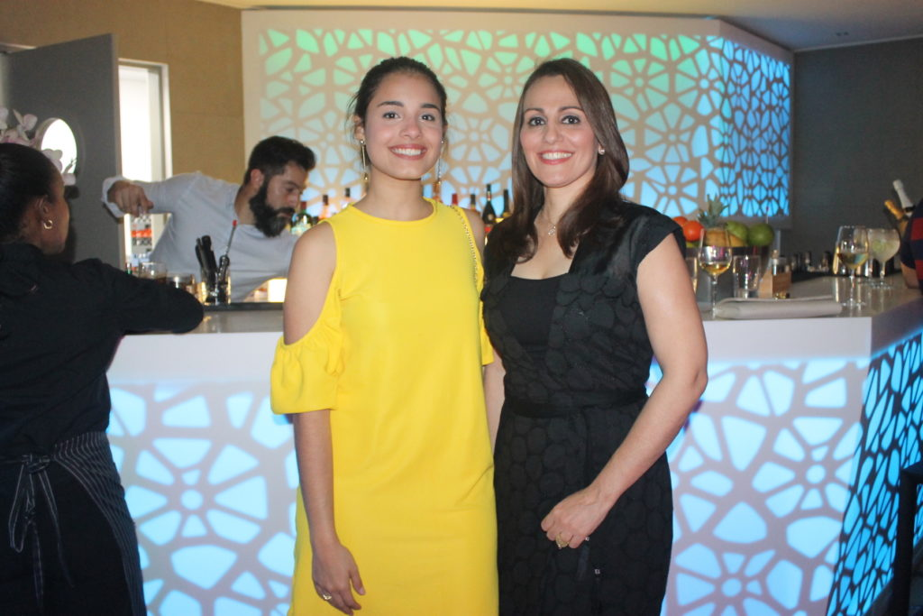 Gabriela Grullón y Elizabeth Yarull