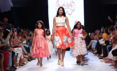 Cierre del desfile de My Little Matilda, al centro su propietaria, Savina Rey.