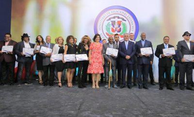 Vicepresidenta de la República y canciller reconocen a merengueros