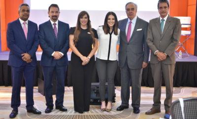 Joel Santos, Oscar Peña, Linda Valette, Krisen Hadeed, Felix Garcia y Tony Sanchez
