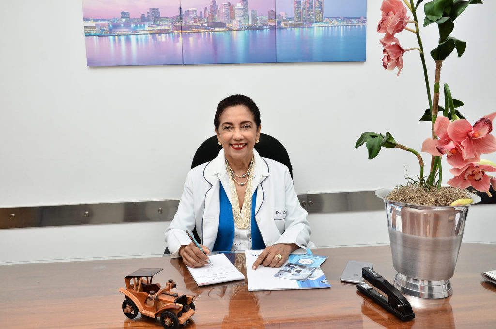 02.- Dra Elsa Núñez