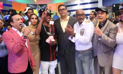 Mon Lluberes y Renzo con el ganador del Primer Lugar