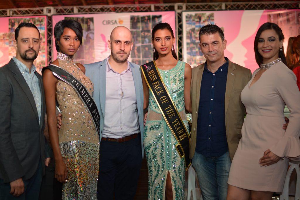Jorge Santos, Tati Baez, Javier Ibars, Miss Face of the Year Seline Santos, Daniel Julio y vanessa del Villar.