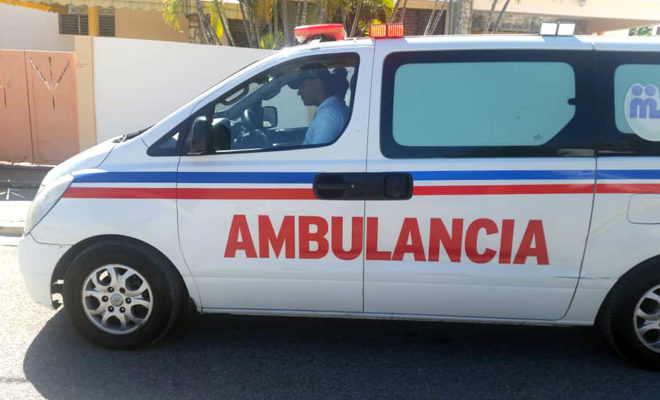 Entregan ambulancias Crue Barahona